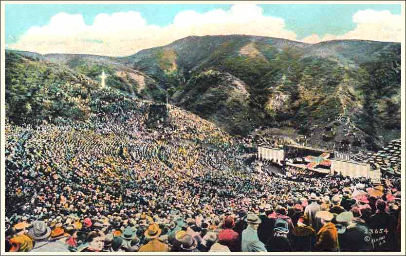 1920s postcard of an Easter Sunrise Service at the Hollywood Bowl.